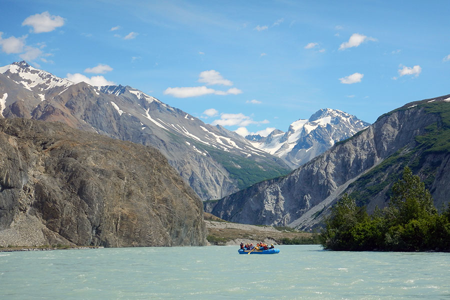 Rafting the Alsek River, which flows through the Yukon, British Columbia, Alaska, Glacier Bay National Park, Tatshenshini-Alsek Provincial Park